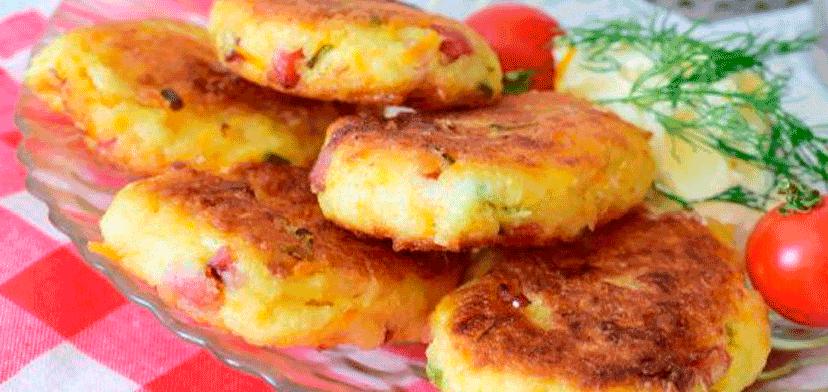 Капустники с копчёной колбасой и сыром