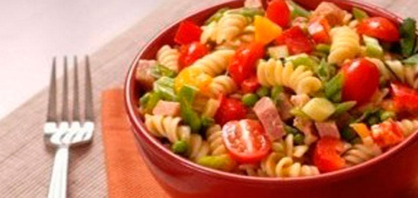 salat_s_sirom_makaronami