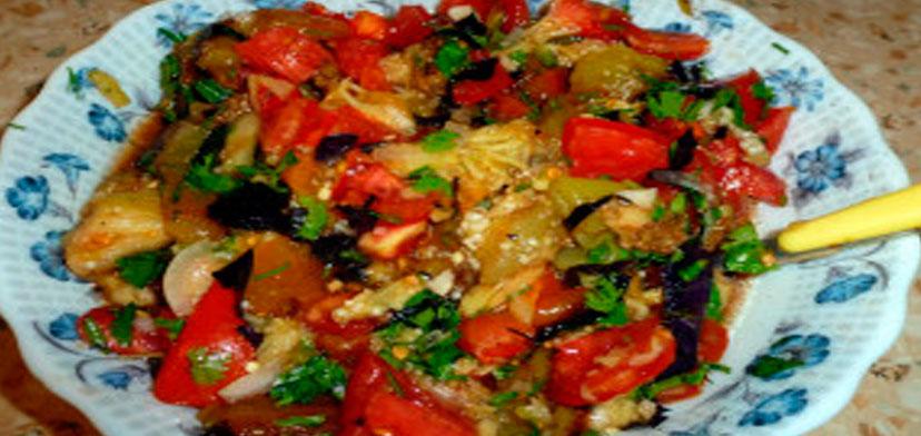 salat_iz_pechenih_ovoshei