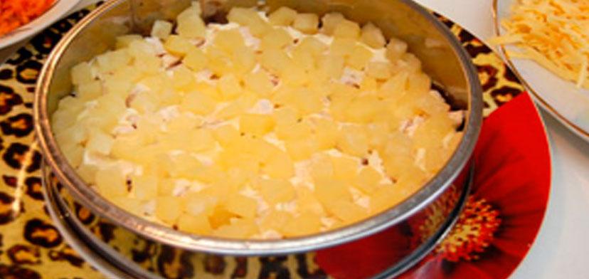 salat_nezhnost_s_kuricei_i_ananasami